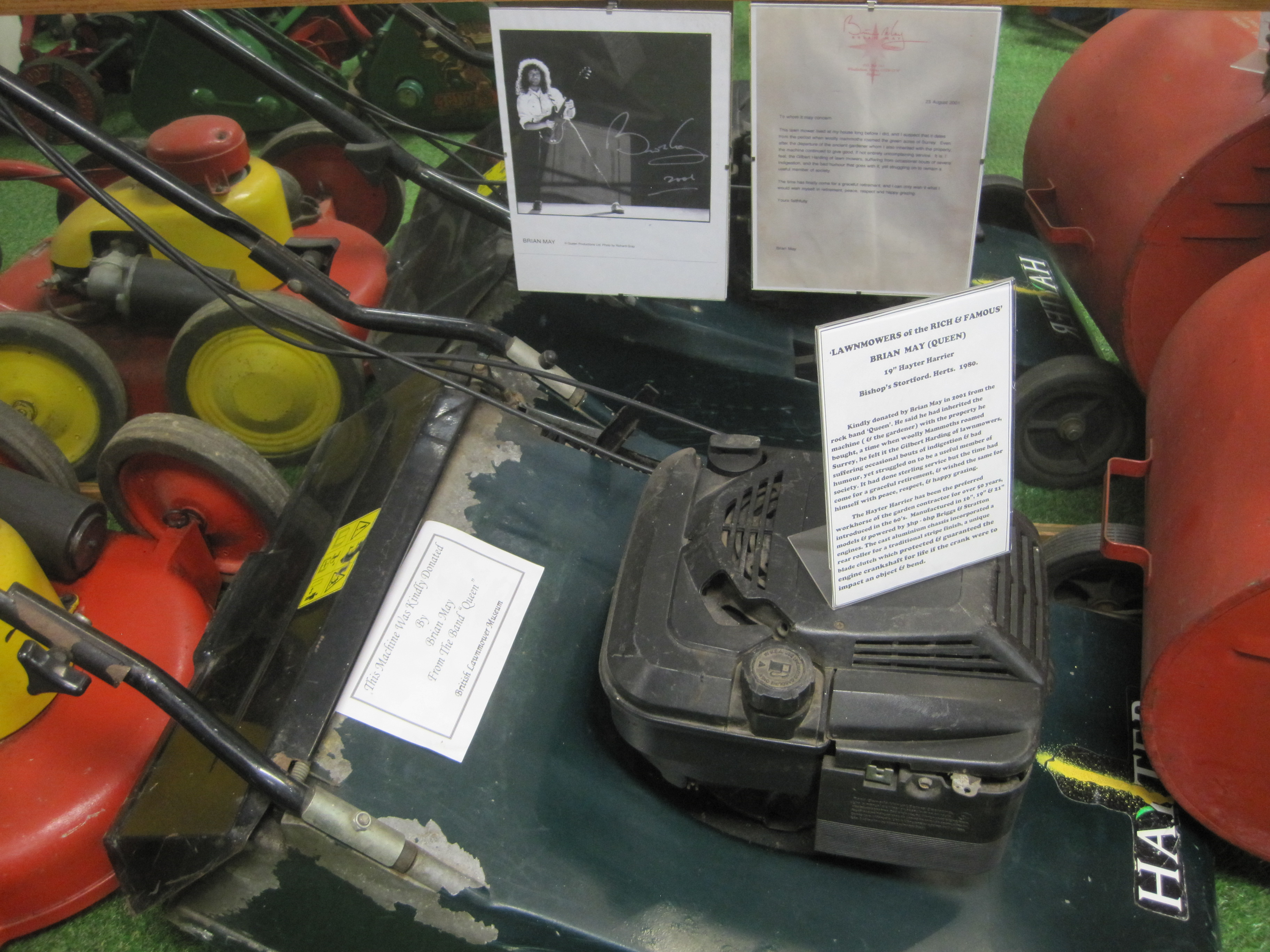 Brian May's mower - photo by Juliamaud